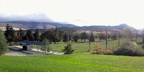 Oak Knoll Golf Course & Driving Range